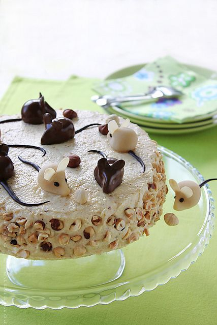 Hungarian hazelnut cake / Hungarian Hazelnut Torte. At the very top of the page is a translate button. This looks and sounds delicious!