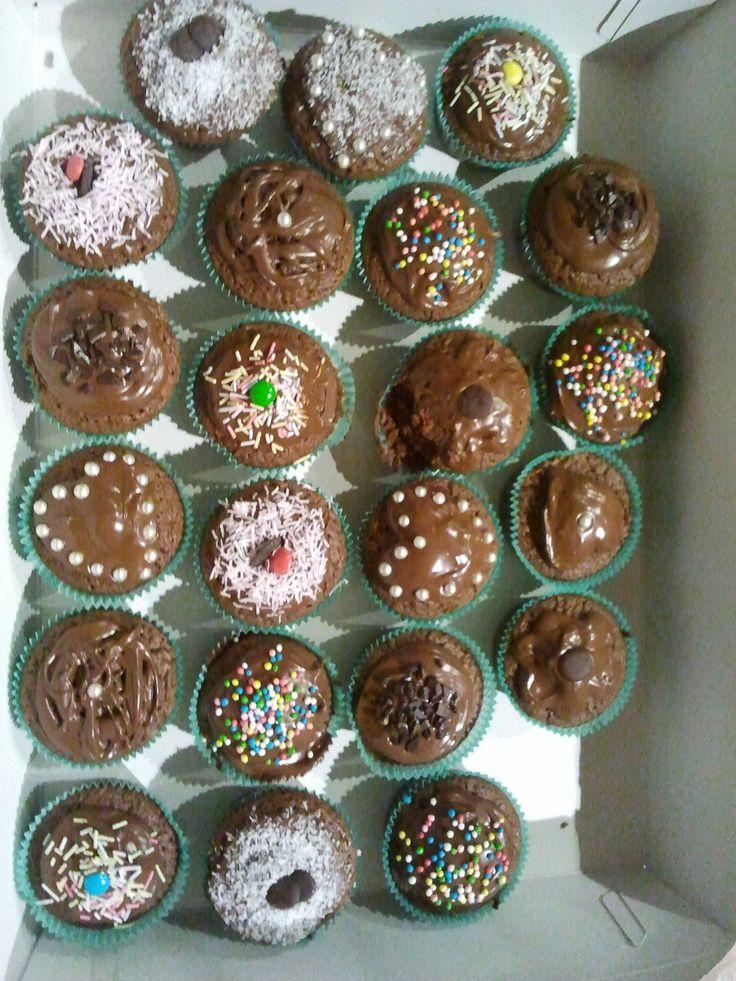 Mud chocolate cupcakes