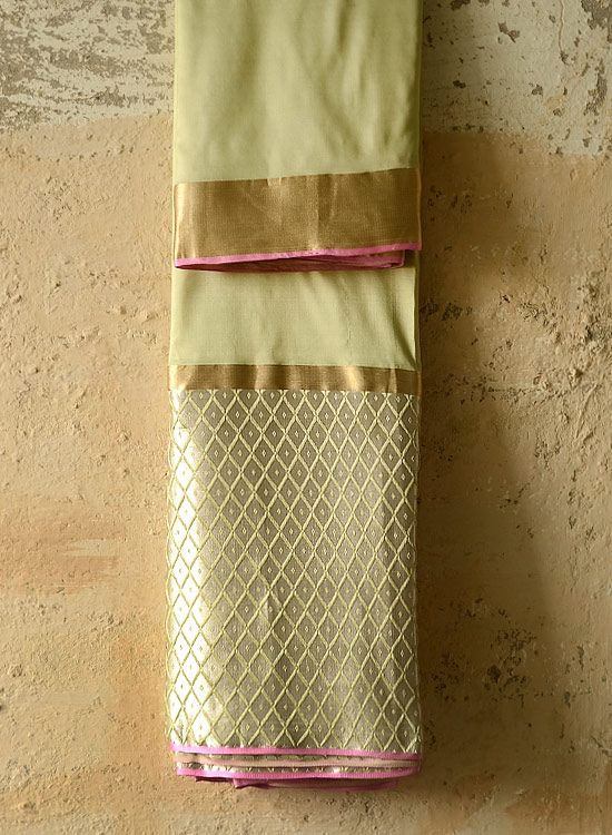 Each Resha has uniqueness with its own beauty and imperfections. Mashroo border handwoven on loom along with the saree, motifs woven with hand loom jacquard technique of weaving with tissue pallu. BUY ~ http://shop.gaatha.com/buy-banarasi-silk-sarees