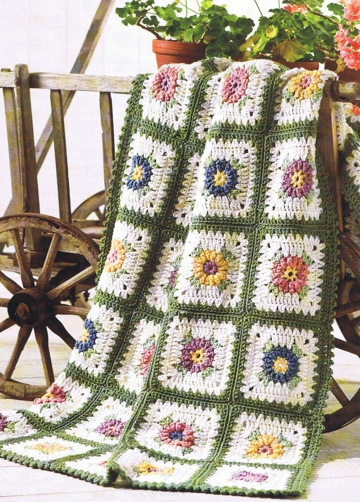Best 400 Afghan Flowers Images On Pinterest Bedspread Blankets