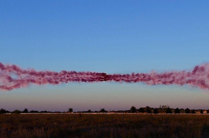 Nuvens coloridas de fumaça redefine paisagens comuns