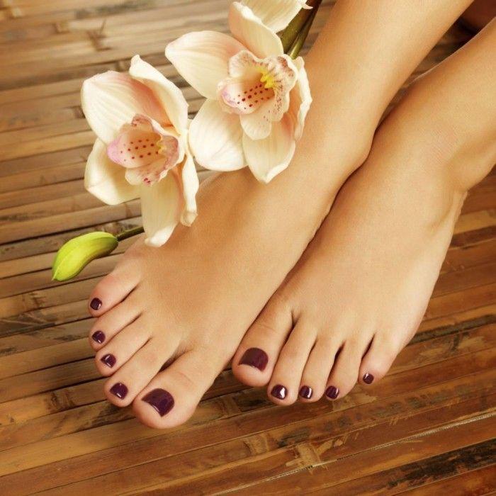 Aquí te presentamos todos los cuidados que debes tener para obtener unos pies bonitos.