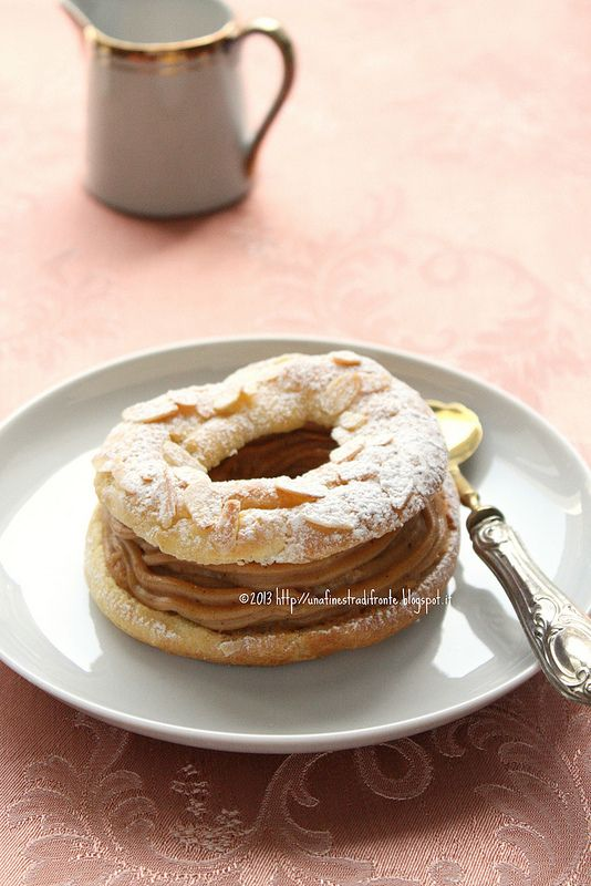 Paris-Brest con crema mousseline al pralinato