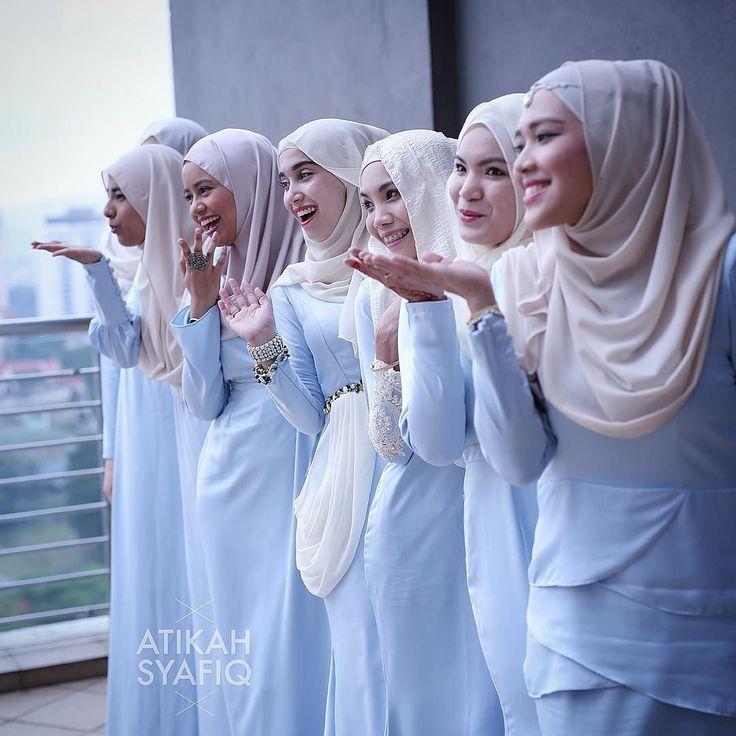 """we r happy for u darling.. @atikahmohsin"" Solemnization Atikah & Syafiq #liveupdate #IjabqabulAtikahSyafiq Official videographer : @autkazfilm Official photographer : @azzahari89 . Photoby : @ikhwanmalik . Liveupdate by : #capturedpic / @josiajusoh Makeup : @saidatulnisaaminuddin Bride Outfit : @fuzanamokhtaza Malaysian Wedding Photographer 019-3122178 www.ikhwanmalik.com K U A L A L U M P U R #zizanrazak #malaysia #malayphotographer #iamgalla #weddingphotography #malaywedding…"
