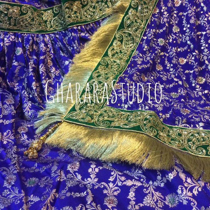 Blue and Green Kamkhwab Gharara.. The dress and Colour is so Royal that you can't resist. #Gharara #ghararastudio #royal #bridal #party #wedding #marriage #nikah #picoftheday #instafashion #instapic #fashionaddict #fashionmuslim #fashion #fashionblog #fashionblogger #blog #orderonline #deliver #kamkhwab #zari #zardozi #kiran #indianfashion #traditional #lucknow #delhi #fashionshow #glamour #style