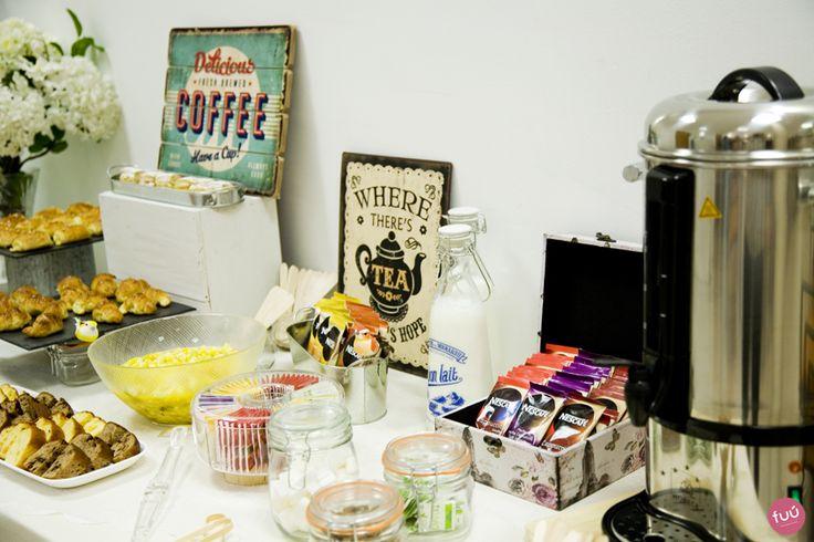 Decoraci n de una mesa de catering para un desayuno - Mesas de desayuno ...