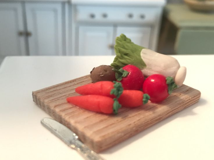 Miniature Vegetables on Cutting Board, Dollhouse Miniatures, 1:12 Scale, Dollhouse Food, Mini Veggies, Pretend Food by BitsyNest on Etsy https://www.etsy.com/listing/506152852/miniature-vegetables-on-cutting-board