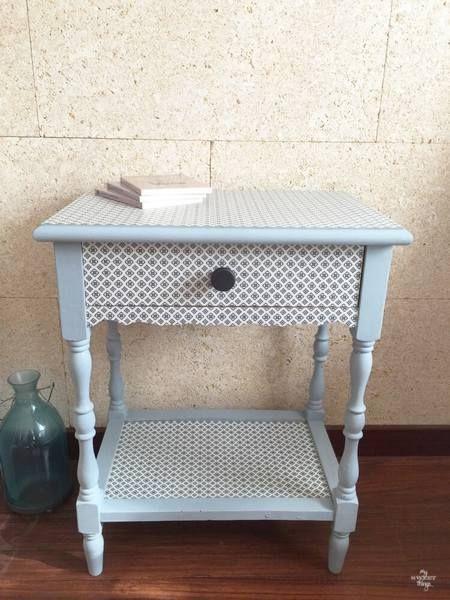 Recycler, personnaliser et transformer un vieux meuble pour en faire une jolie table d'appoint !