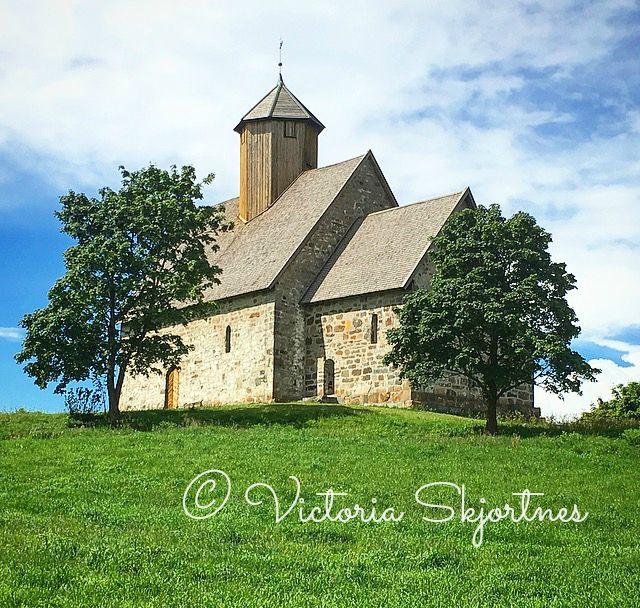 Tusen år tilbake i tid (victoriaskjortnes)  #church #1200 #photo #inspo #inspiration