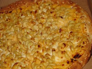 Mac and Cheese Pizza - just like what they have at Cici's. @Erin Schrader would LOVE this!!