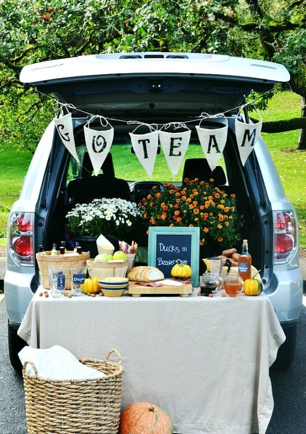 Super Fun Outdoor Tailgating Ideas --> http://www.hgtvgardens.com/entertaining/how-to-tailgate-with-style?soc=pinterest
