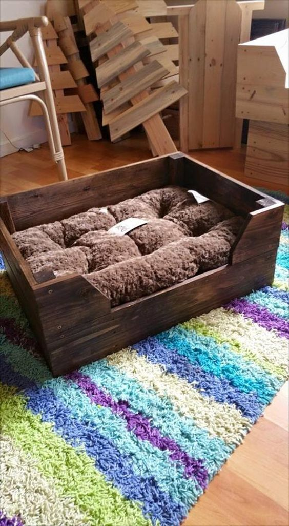 17 best ideas about dog bed pallets on pinterest wood for Wood pallet dog bed