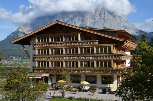 Silence-Sporthotel Zugspitze (****)  MIRIAN EGLI has just reviewed the hotel Silence-Sporthotel Zugspitze in Lermoos - Austria #Hotel #Lermoos  http://www.cooneelee.com/en/hotel/Austria/Lermoos/Silence-Sporthotel-Zugspitze/42077