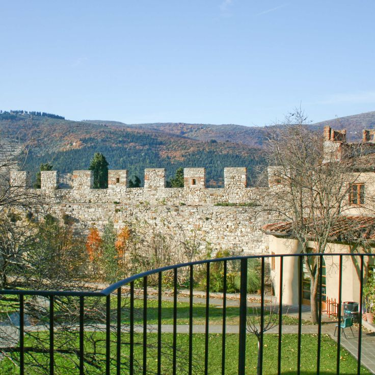 headquarter #castello #calenzano #borgo #borgomedievale #firenze #toscana #florence #tuscany #tuscan #landscape