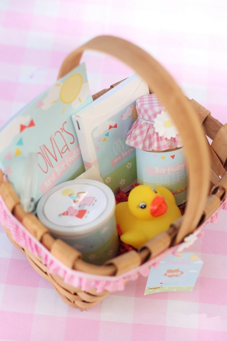 """Adorable Party Favors at this Peppa Pig """"Sunshine and Muddy Puddles"""" Birthday Party"""