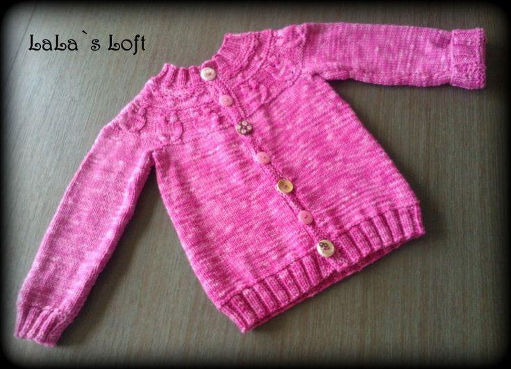 Owl cardy inspired by all the owl stuff arround. Handcolored yarn by me :) #owl #cardigan #knit #girlsknit