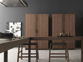 9. Natural essences, iron looks, solid woods and cement effect resins mark out a style which might undertake two different but complementary directions: urban chic and rustic charm. (3/3)