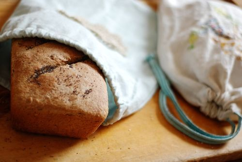 Technically not a tutorial, but I need to make this!  Fabric bread bag out of vintage linen tea towels for homemade bread :)