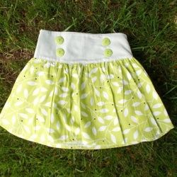 Ideal piece for girls sizes 12M to 8T. This easy summer skirt pattern and tutorial will be your season's favorite project.