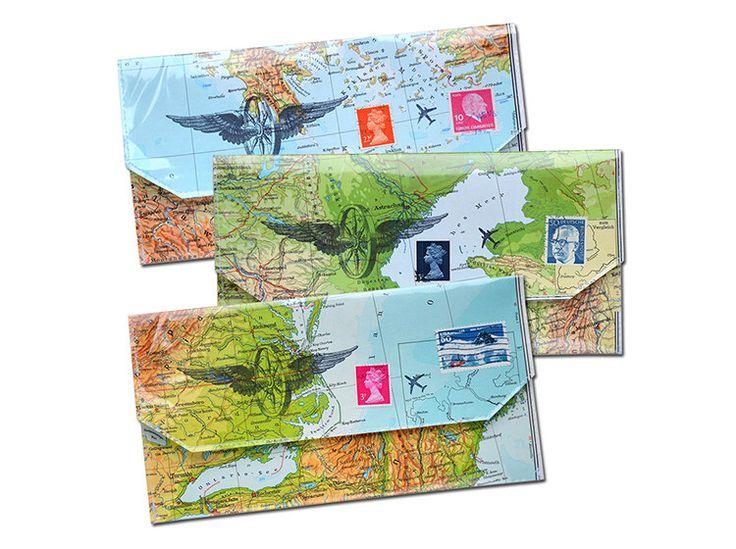 cartera para pasaporte y boletos mapa mapas de diseño hecho a mano del vintage de viajes por renna deluxe de rennadeluxe en Etsy https://www.etsy.com/es/listing/122043449/cartera-para-pasaporte-y-boletos-mapa