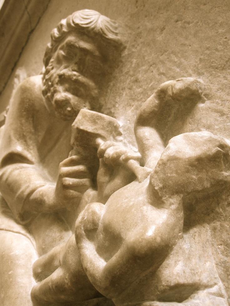 Sculpture of a sculptor sculpting a sculpter