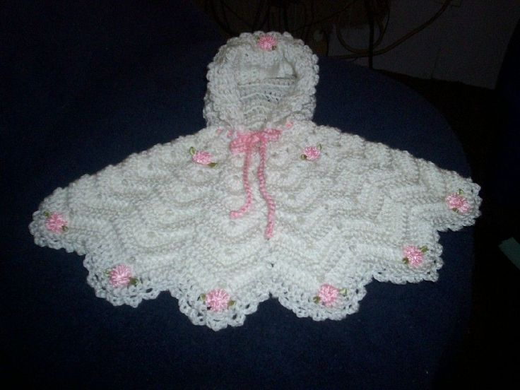Preemie Ripple Poncho~So, so sweet!  This is a site with several really nice patterns for babies. The patterns are intended to be used for charity purposes only.