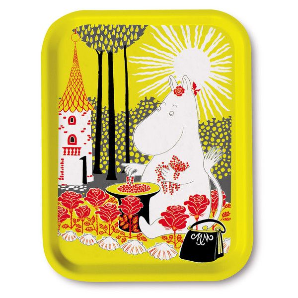Sunny yellow tray featuring the lovely Moominmamma collecting berries into a hat. Handmade and with illustrations by Tove Jansson. High quality wood, made in Sw