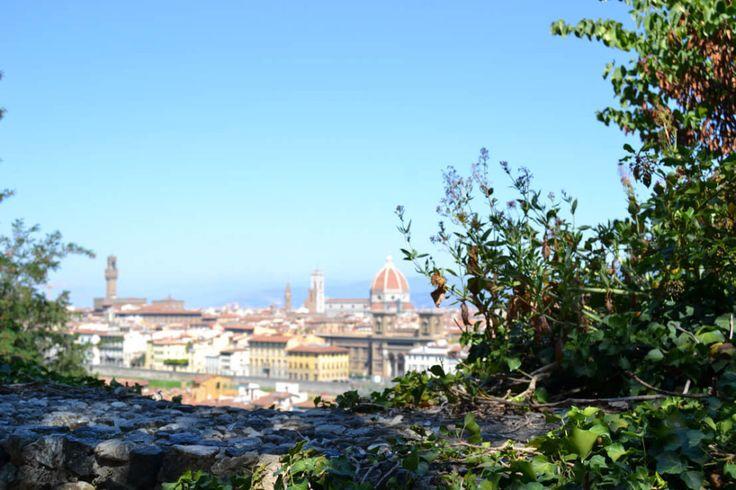 muretto sfondo Firenze effetto bokeh