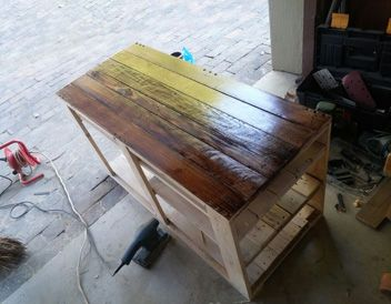 Pallet TV Stand Unit. Pallet plasma stand. www.reclaimeddesigns.co.za