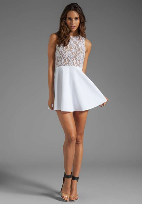 Vestidos cortos de encaje color blanco para fiesta de día 2014  http://vestidoparafiesta.com/vestidos-cortos-de-encaje-color-blanco-para-fiesta-de-dia-2014/