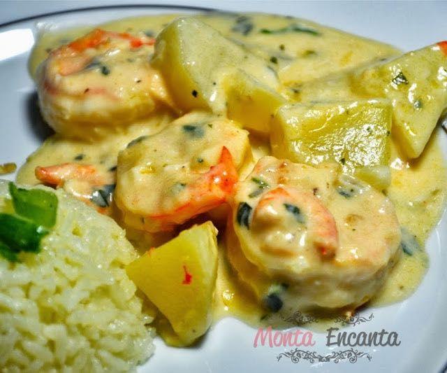 Camarão de Fortaleza, camarões rosas dourados na manteiga, com requeijão cremoso, batatinhas cozidas temperadas, um toque de limão siciliano