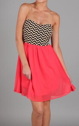so pretty!Summer Dresses, Chevron Dresses, Chevron Pink Combos, Cute Dresses, Closets, Clothing, Coral Dresses, Coral Chevron, Chevron Stripes