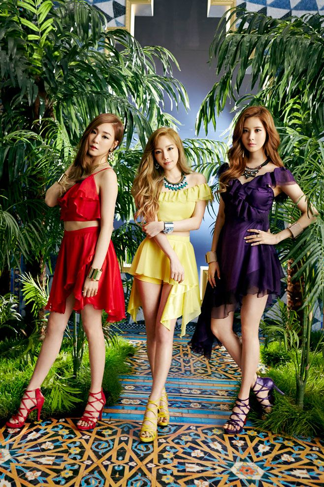 TTS - Taeyeon , Tiffany and Seohyun .... Holler teaser photos . Did anyone noticed the islamic art on the floor ? ... It is nice to see them choosing new styles in their photoshots