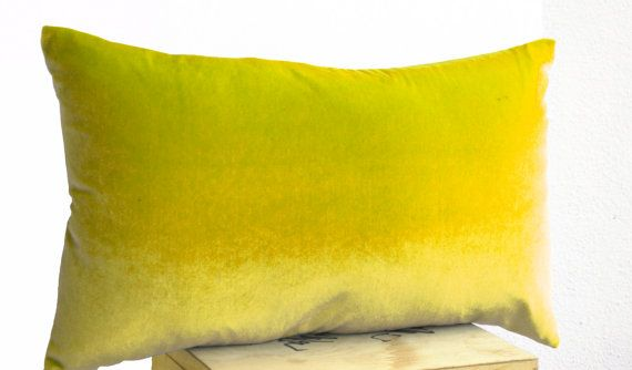 Decorative pillows in yellow velvet and oatmeal by AmoreBeaute