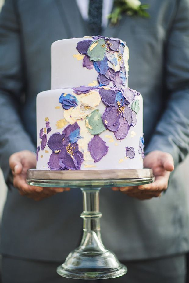 We Take A Look At One Of The Hottest Cake Trends Right Now And Some Of The Artistic Cake Designers Creating Spat In 2020 Painted Cakes Painted Wedding Cake Cake Trends