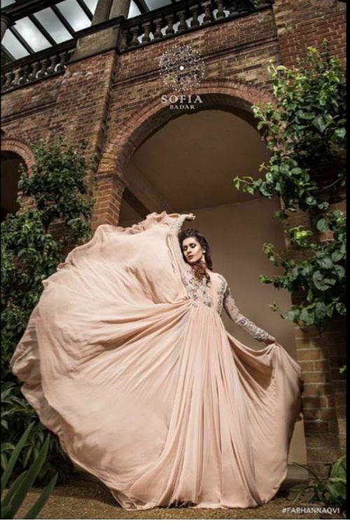 Model: Kubra Khan Pakistani fashion blog
