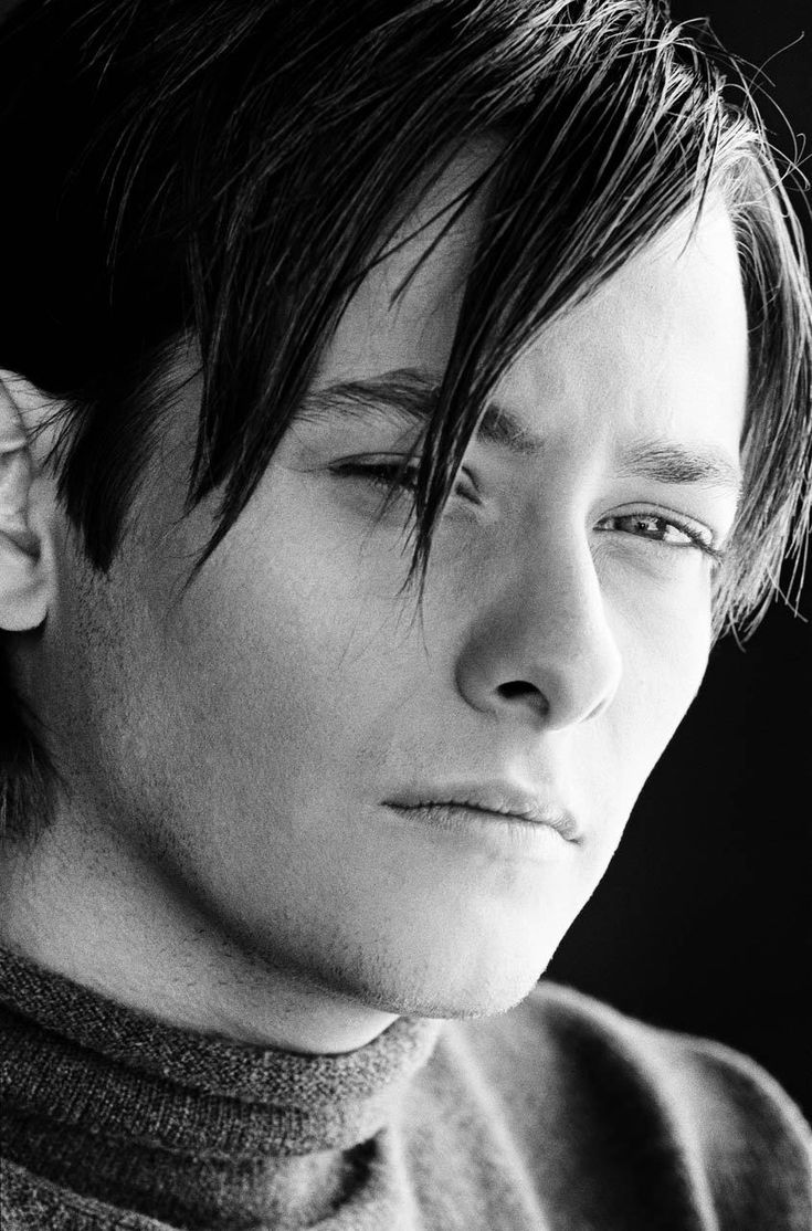 Edward Furlong! I remember seeing him on the set of The Grass Harp.