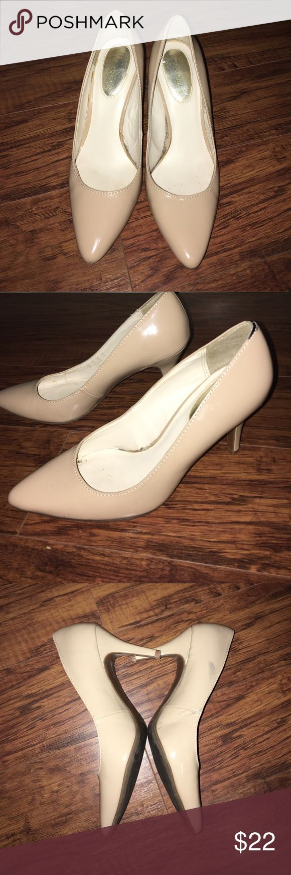 "NICKELS ""DOROTHY"" SAND NUDE BEIGE PUMPS SHOES Great nude shoes. In very good condition. Super comfortable. Has a few stains. Not so noticeable. Nickels Shoes Heels"