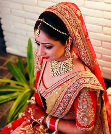 Shy Indian bride Indian jewelry #SpiceTrail #SS14 #TrendInspiration #india #tourism #travel #destination #placestovisit #art #craft #religion #adventure #delhi #kolkata #mumbai #bannerji #bhuterraja #kantinathbanerjee #tour #hindu #puran