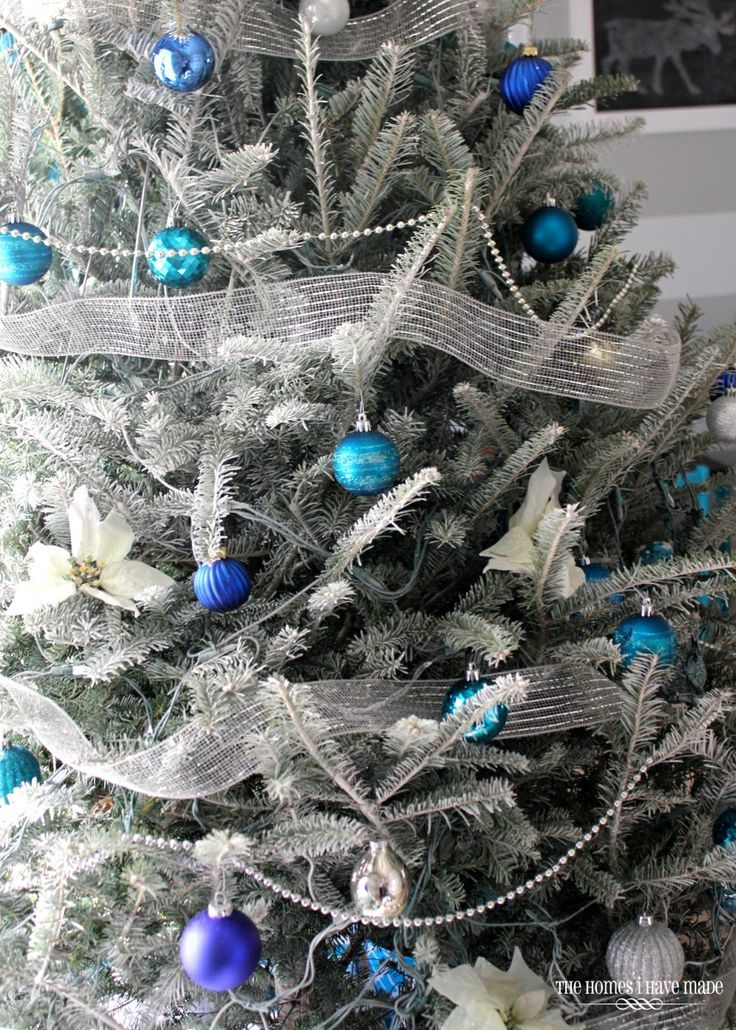 Best Top 10 Inventive Christmas Tree Themes Cobalt Blue 400 x 300