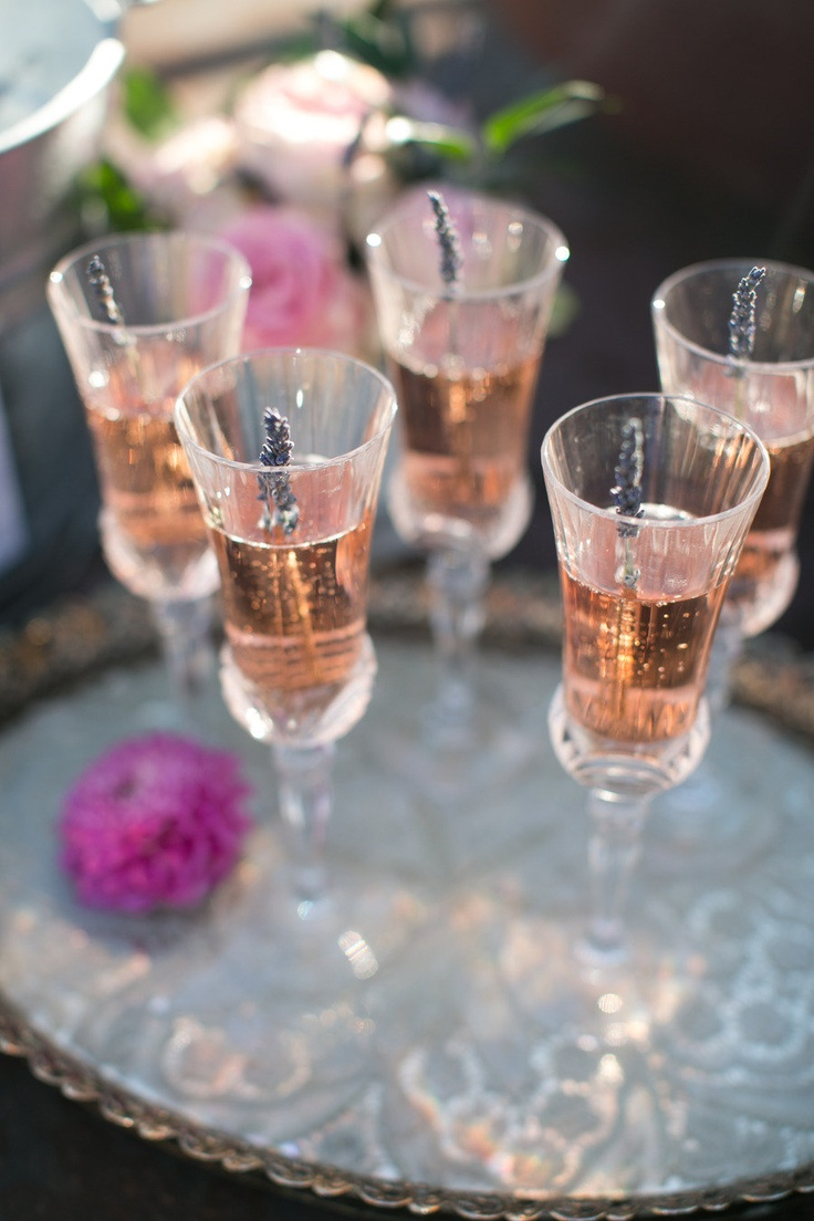 lavender champagne | Jihan Cerda PhotographyChampagne Parties, Pink Champagne, Pink Drinks, Bubbles, Lavender Wedding, Crafts Tables, Lavender Tops, Cocktails, Drinks Recipe