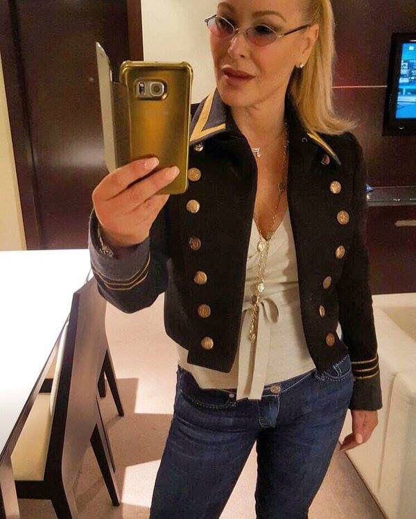 """TWITTER Anastacia: """"More dates for #UltimateCollectionTour - head over 2 Facebook to find out! Outfit: Truereligion at Bolongaro Trevor"""""""