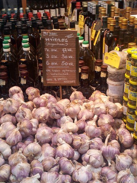Toverhallerne Market #Copenhagen #Ail #Garlic #StreetMarket #Food #Copenhague