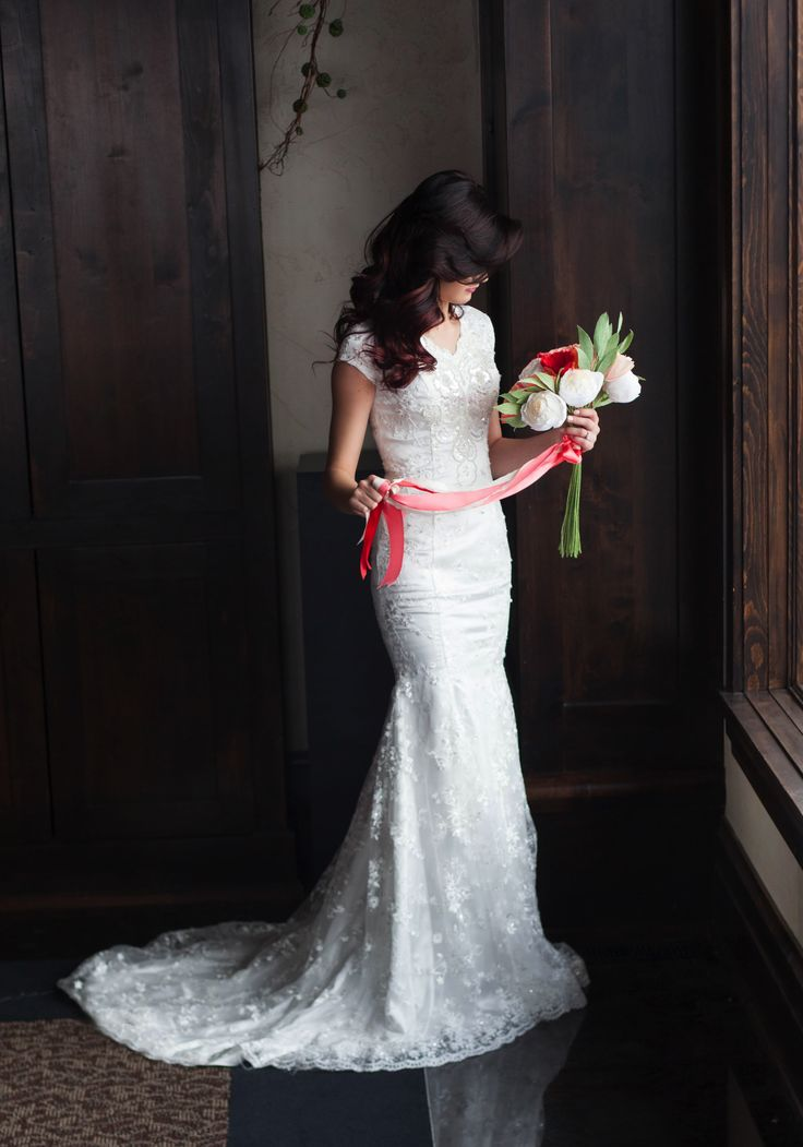 Eva gown by Elizabeth Cooper Design   Ali Brown Studios   modest wedding dress   sleeves   modest   marry   love   wedding   paper bouquet   Paper Ave   The Lodge at Traverse Mountain   utah   bride   modest bride   bridal   wedding gown   wedding dress with sleeves   lace   fit and flare   mermaid   I love how it compliments the body