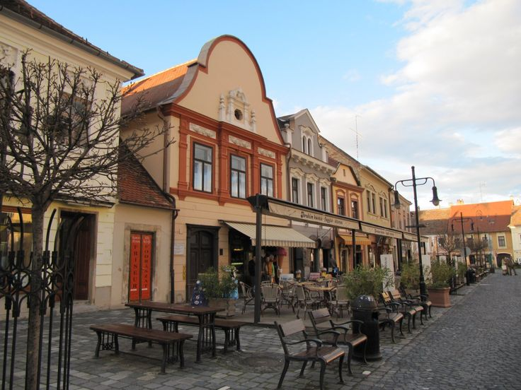 Vas megye hangulatos városába időnként vissza kell térni. http://kozelestavol.cafeblog.hu/2017/10/17/koszeg-ahol-mindig-tortenik-valami/
