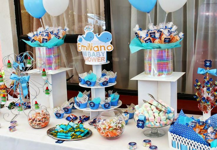 Mesa de dulces babyshower ballenita for Mesa dulce para baby shower