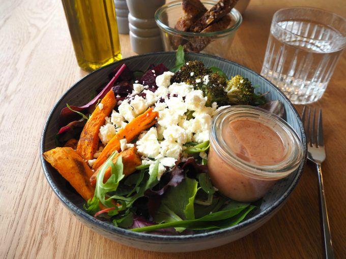HINGEHEN: Ziemlich gute Salate in Mitte – Lunch bei Fechtner auf der Torstraße