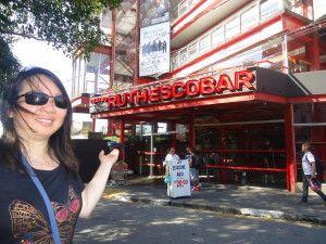 Na Rua dos Ingleses encontramos o Teatro Ruth Escobar, inaugurado em 1963.