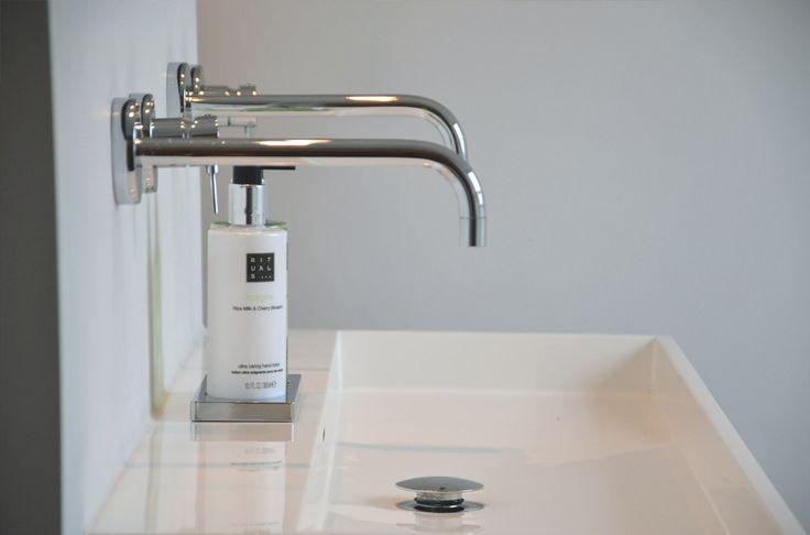 Clou washme sink bathroom