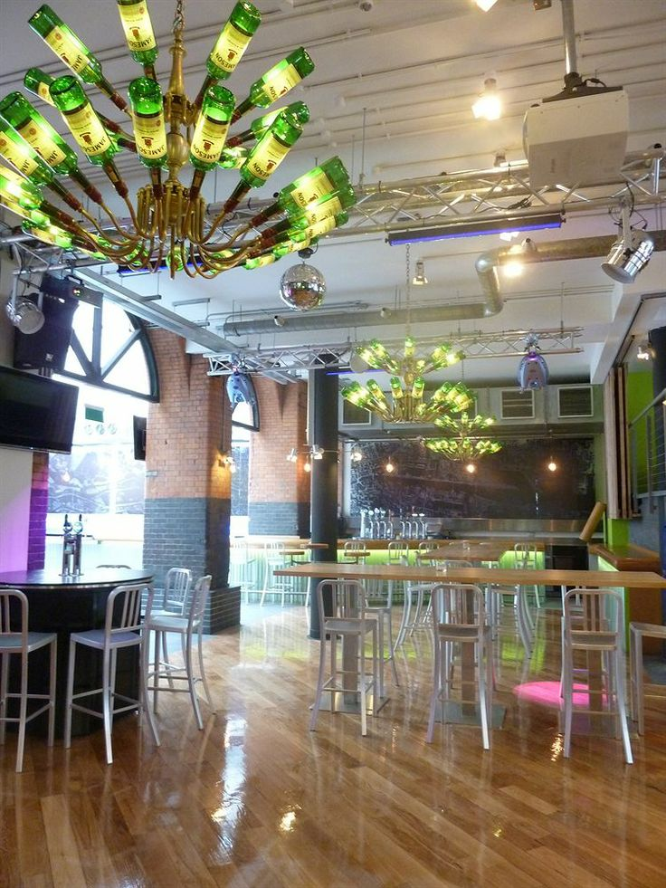 Generator Hostel Dublin - It is placed in the heart of Dublin walking distance from Old Jameson Distillery and Four Courts. Also nearby are Christ Church Cathedral and Dublina.
